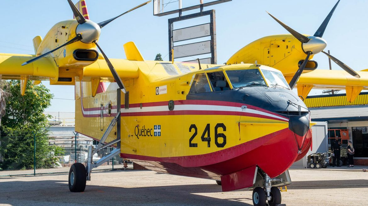 Front image of a super scooper.